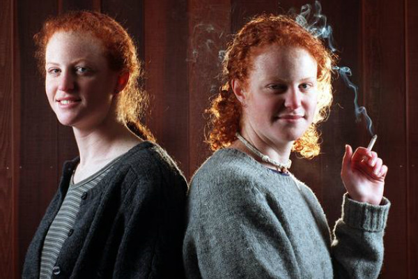 how-does-smoking-age-the-faces-of-identical-twins-1761993598-nov-12-2013-1-600x400
