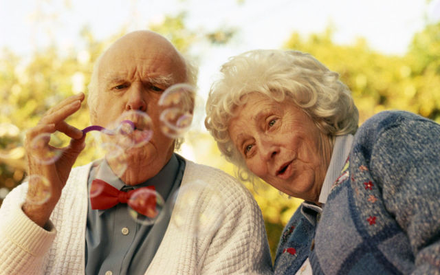 old_couples_in_love_are_so_cute_640_16